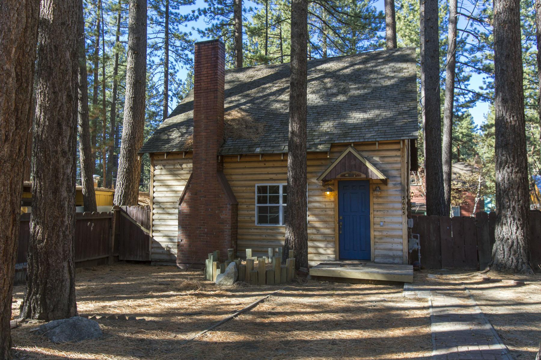 Tahoe, Larch Cabin Exterior