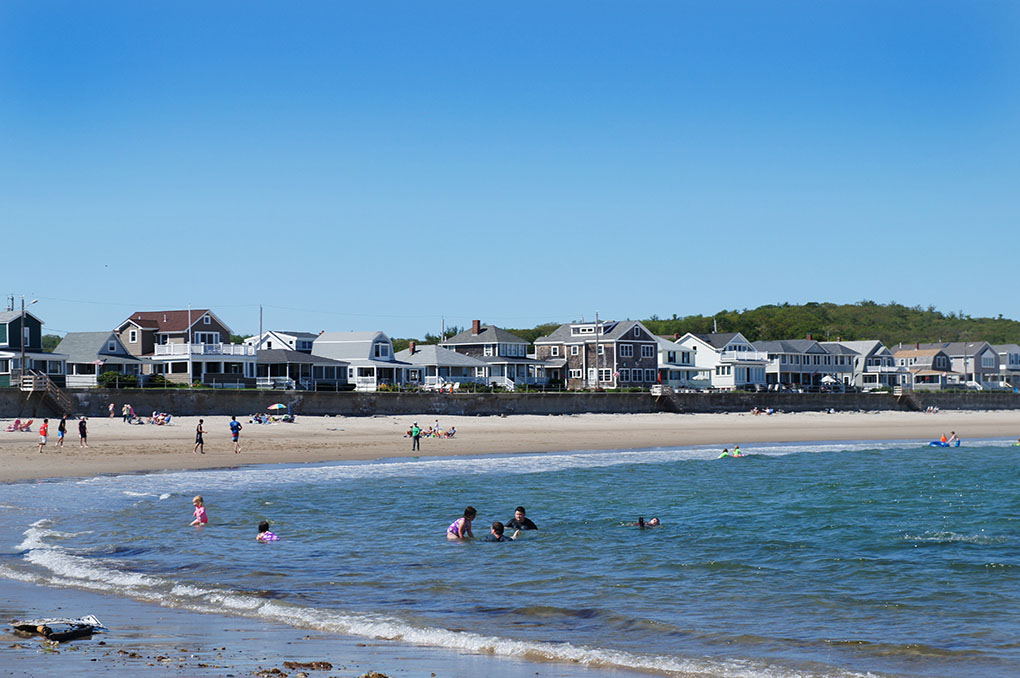 Vacation Home Rentals and Beach Houses - Gloucester MA - Townhouse by the Sea