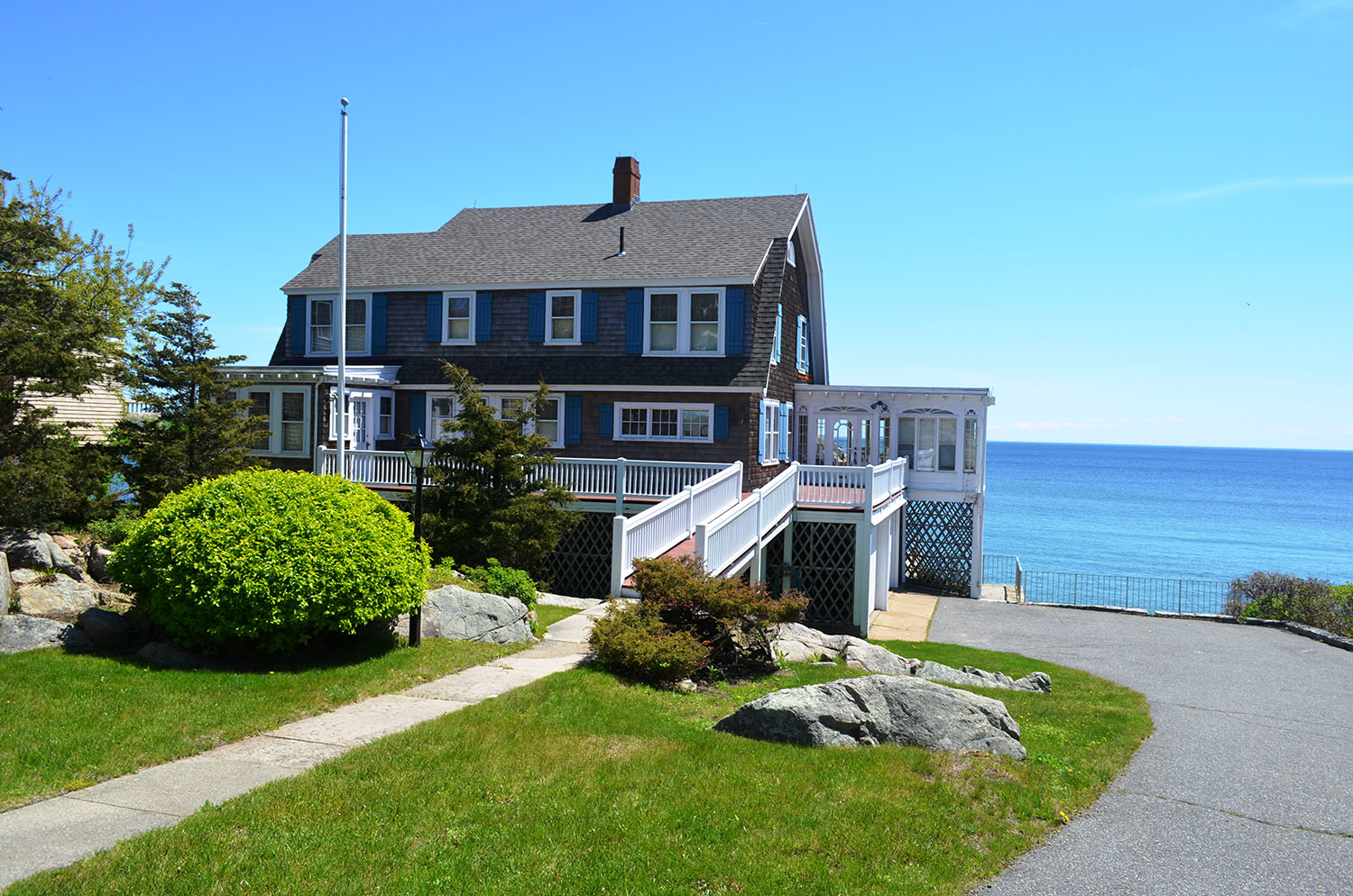 Direct Waterfront Vacation Rentals - Atlantic Vacation Homes - Cape Ann