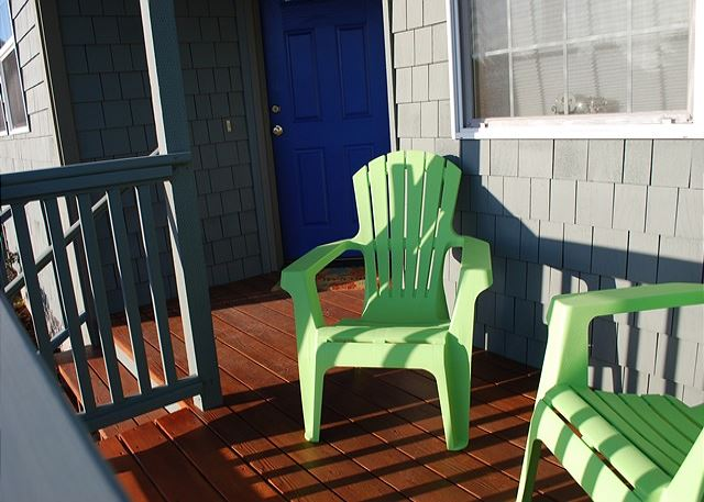 Comfy deck to enjoy the afternoon sunshine or the morning breeze.