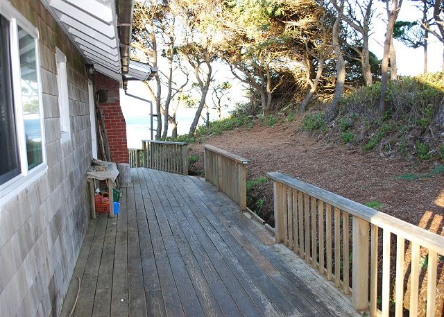 Deck entrance to the front door