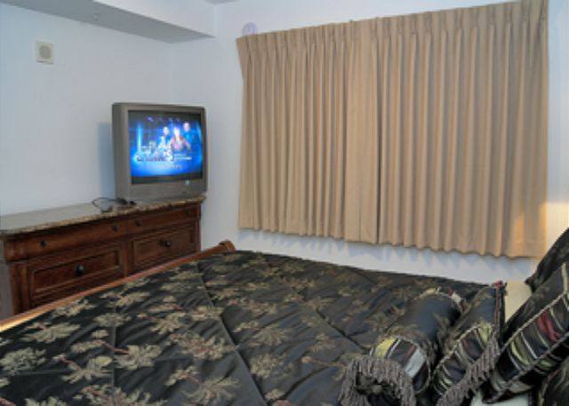 BEACHFRONT FOR 6! GREAT VIEWS! AVAILABLE FOR SPRING BREAK WEEK OF 3/7! - Panama City Beach, Florida