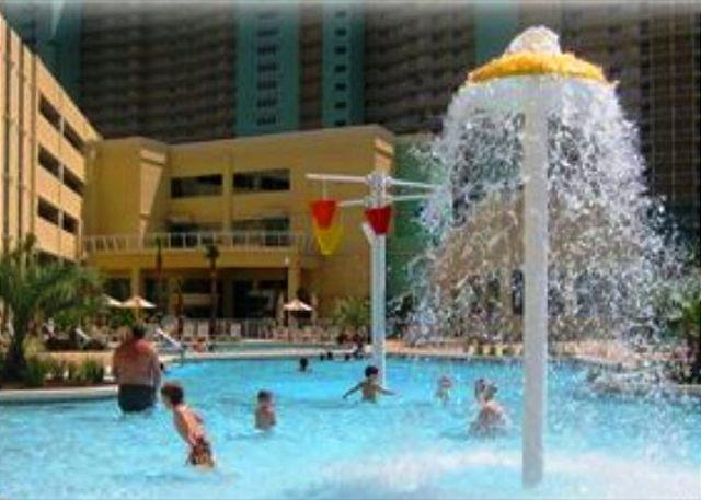CUTE BEACHFRONT CONDO FOR 6! OPEN 3/15-22! ONLY $895 TOTAL! - Panama City Beach, Florida