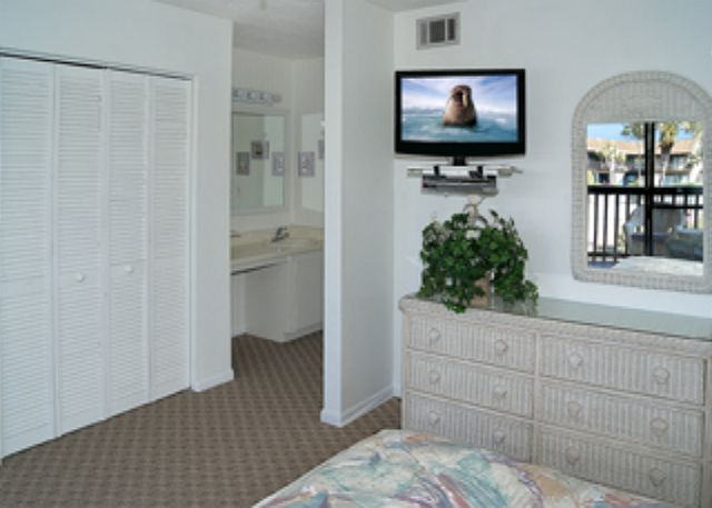 VALUE PRICED RESORT WITH AMENITIES! OPEN 3/29-4/5! ONLY $1095 TOTAL! - Panama City Beach, Florida