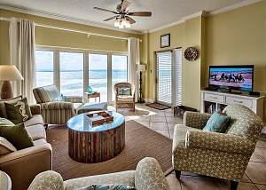 Beach Manor @ Tops'L 611-172357