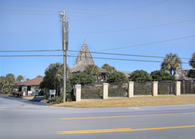 VALUE PRICED RESORT WITH AMENITIES! OPEN FOR SPRINGBREAK!  CALL US! - Panama City Beach, Florida