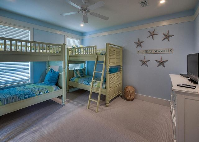 KID FRIENDLY BUNK ROOM