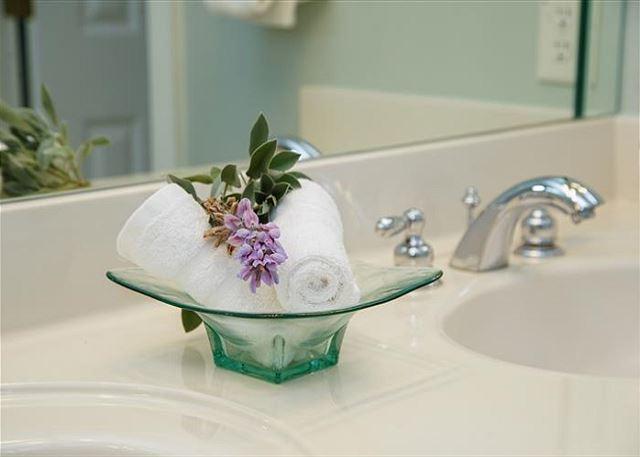 Connecting bath.
