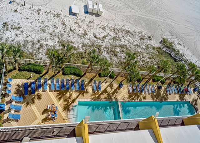 9TH FLOOR BEACHFRONT CORNER UNIT FOR 8! 15% OFF FOR WINTER GUESTS.  CALL! - Panama City Beach, Florida