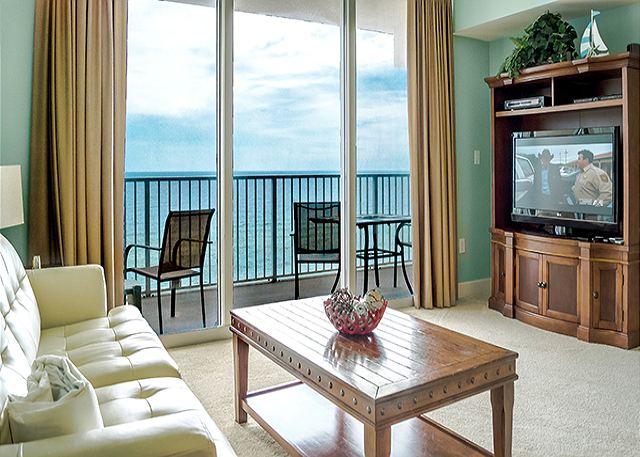 BEACHFRONT FOR 6! WOW VIEWS!  NEW DECOR! 15% OFF WINTER STAYS! - Panama City Beach, Florida