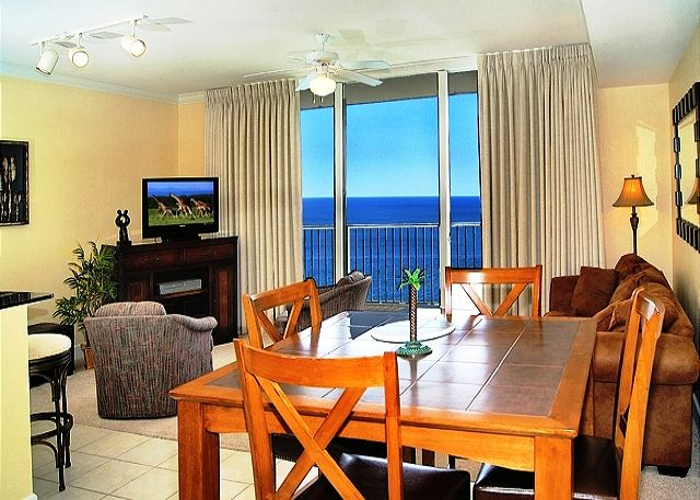 BEACHFRONT FOR 8! FAMILY FRIENDLY! OPEN 3/15-22! TAKE 15% OFF! - Panama City Beach, Florida