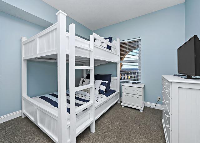 CALYPSO 301 QUEEN BUNK BEDS
