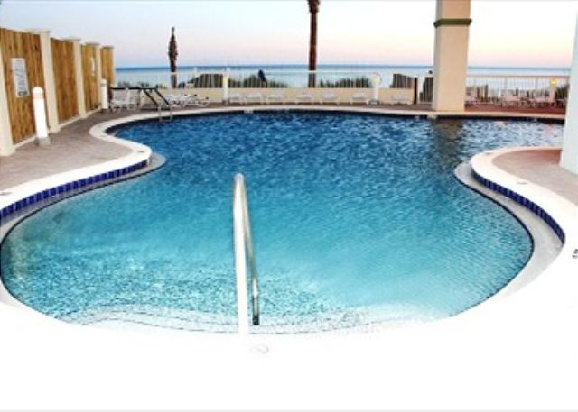 BEAUTIFUL 6TH FLOOR UNIT! GREAT VIEWS! OPEN 3/15-22! ONLY $895 TOTAL! - Panama City Beach, Florida