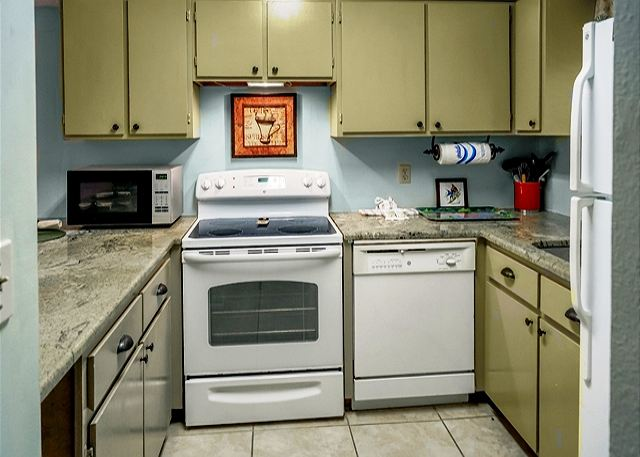 BEAUTIFUL UPGRADES WITH ROOM. LOW PRICES FOR SNOWBIRDS!!!! - Panama City Beach, Florida