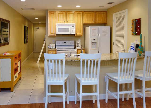 CUTE BEACHFRONT CONDO FOR 6! OPEN 3/1-8! SPECIAL! $895 TOTAL! - Panama City Beach, Florida