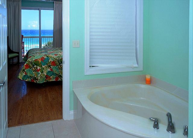 3RD FLOOR LUXURY BEACHFRONT FOR 4! OPEN 3/15-22! NOW 15%OFF! - Panama City Beach, Florida
