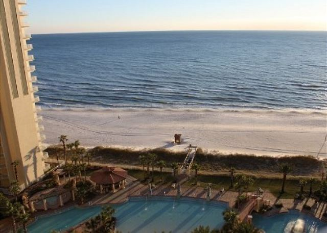 BEACHFRONT FOR 6! BEAUIFUL VIEWS! OPEN 3/1-8! SPECIAL! $995 TOTAL! - Panama City Beach, Florida