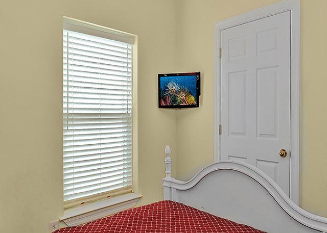 FLAT SCREEN TV IN THE GUEST BEDROOM