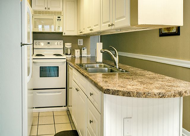 GRANITE LOOK COUNTERS