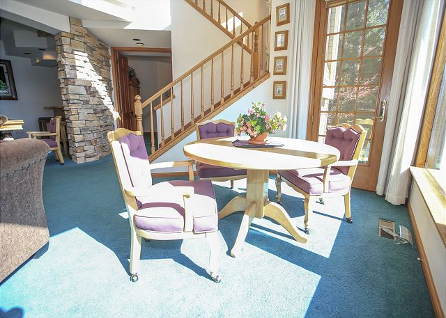 Bright Sunny and Spacious with Lakefront Views!
