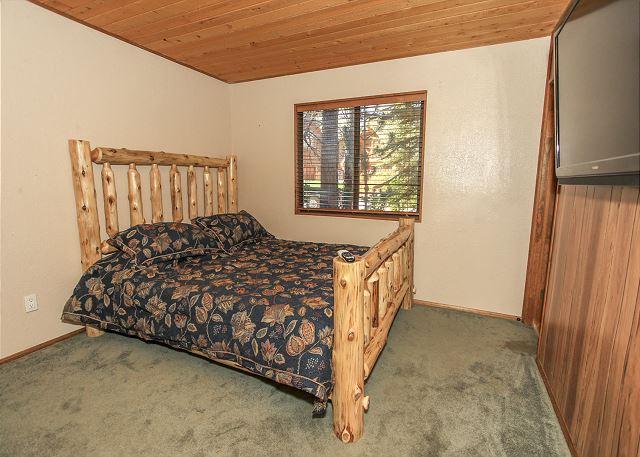 Bedroom 1 KING