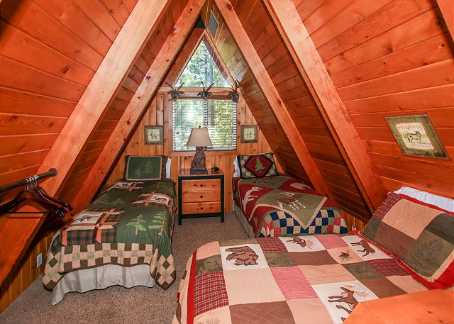 Upstairs Open Loft Area with 3 Twin beds
