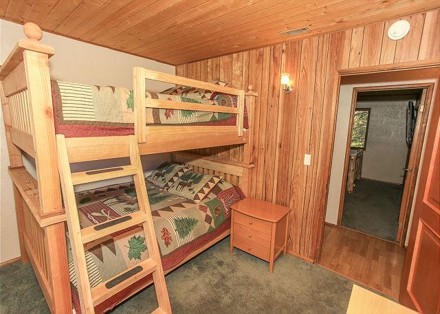 Bedroom 2 Queen Queen Bunk
