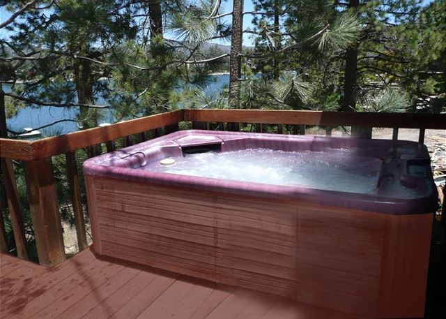 Master Suite private 2 person hot tub with lake view