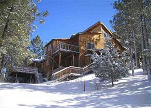 hot at bear rental rent vacasa destination for cabin tub big gallery a cabins hotels with stay vacation rentals and lake