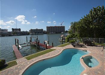 Enjoyable Vacation Rentals In Clearwater Beach Beach House Florida Interior Design Ideas Apansoteloinfo