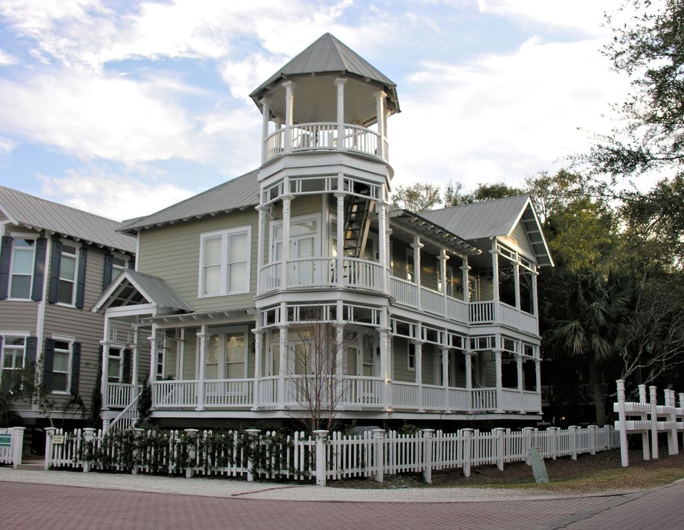 st balcony rental in cushioned rentals architectural savannah island masterpiece cottage seating cottages simons has level great