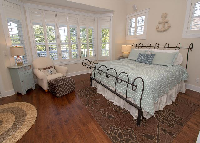 Grand King Suite with private patio access
