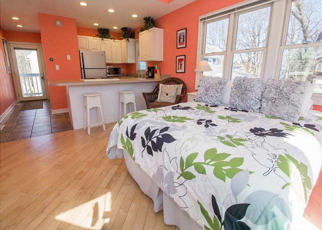 Kitchen and bedroom