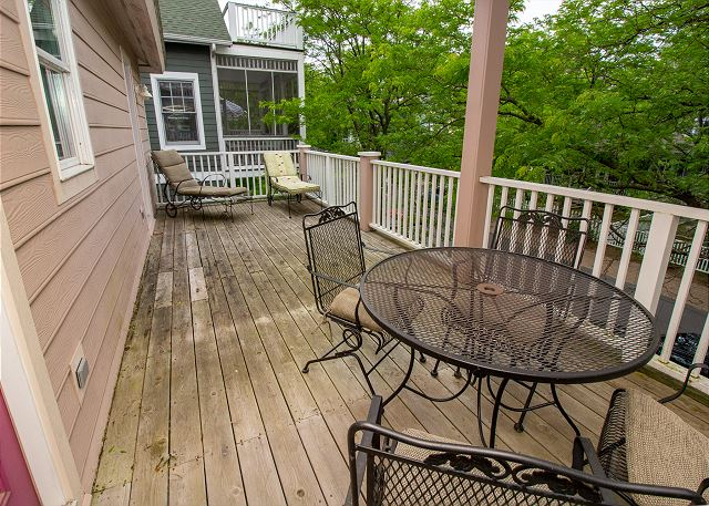 Second floor walk out deck
