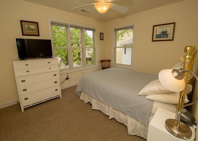 Second level bedroom 2 queen bed