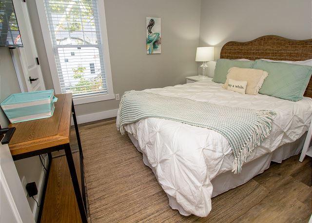 Second level queen bedroom #2