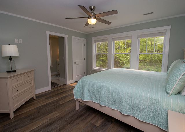 Second level Master bedroom with queen size bed