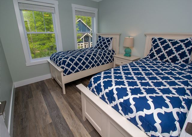 second level bedroom with 2 twin size beds