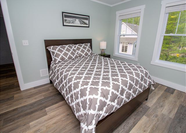 Second level with queen size bed