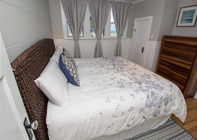 Queen sized bedroom on second level
