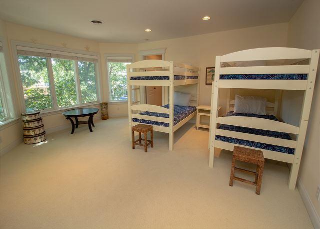 Bunk Bed Loft Space