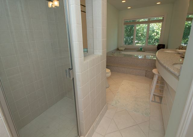 King Master bath with large garden tub