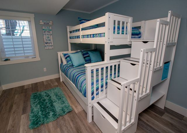 Basement bunk room with top twin and bottom full