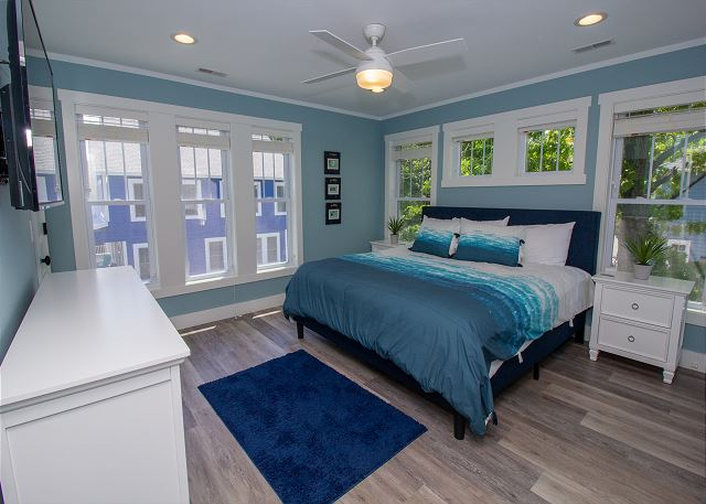 Second floor master with king bed and attach 3/4 bathroom