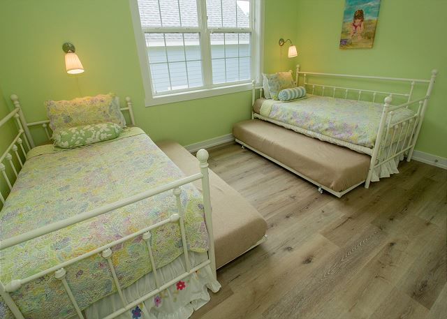 Second level 2 twin trundle beds