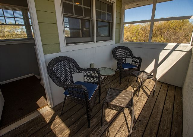 Crows Nest with seating for two