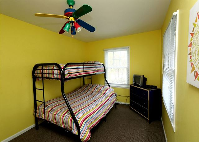 Second floor twin over full bunk bed (guest house)