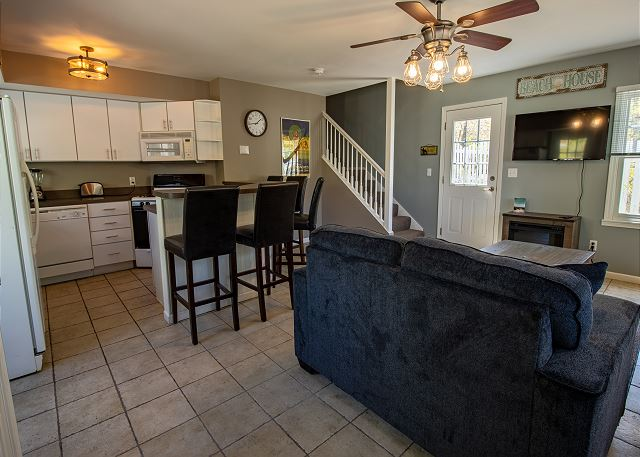 Guest House Living room and Kitchen