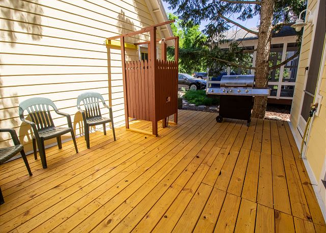 Back deck with outside shower and grill