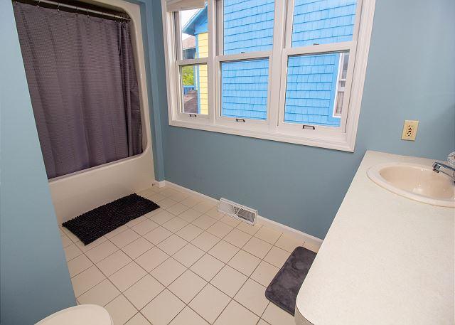 Second level full master bathroom